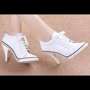 Shoes - 🆕 Genuine Leather Stiletto Sneaker